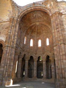 Monasterio de Santa María de Moreruela Vista del transepto y de la bóveda octopartita, ausente por su derribo.